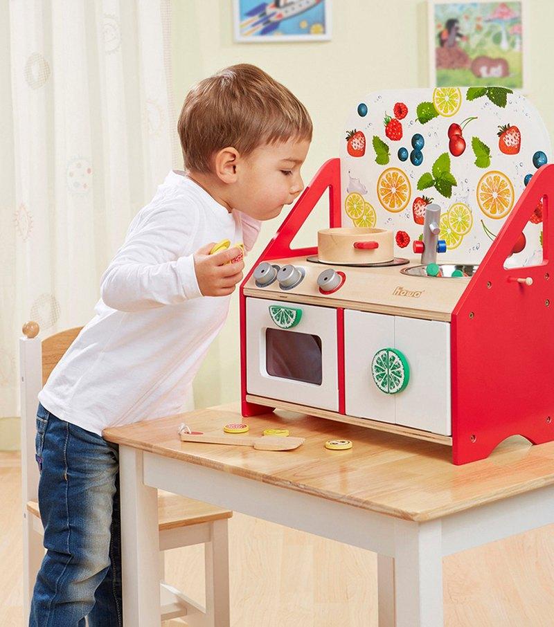 小小主廚。桌上型木製玩具廚房