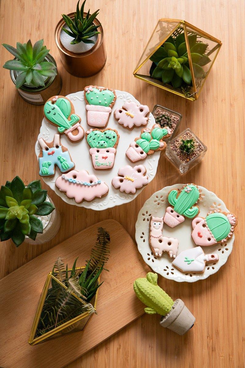 可愛粉粉仙人掌收涎餅乾 12片