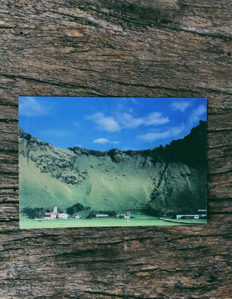 冰島上的抹茶色的山 攝影明信片