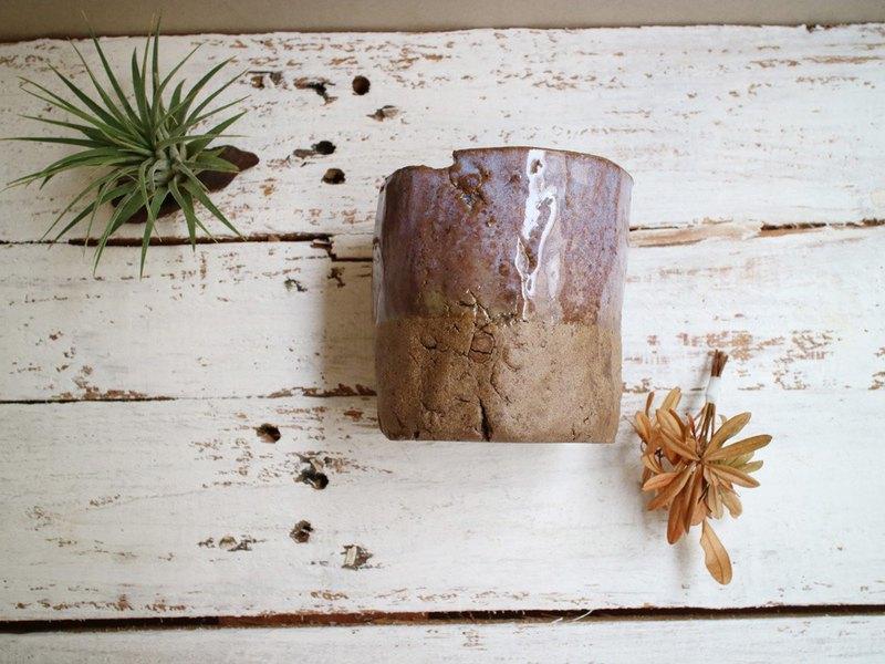 三楼 手作陶器 粗礦裂紋杯形 盆栽花器