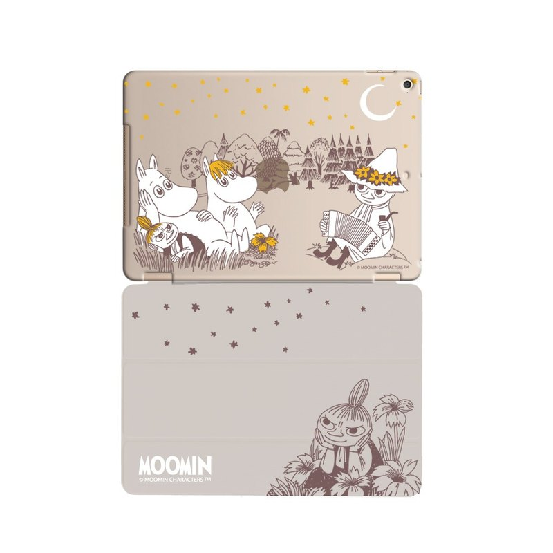 **Moomin是芬蘭女作家朵貝·楊笙(Tove Jansson)筆下的童話小說系列。** Moomin家族有著圓潤的身型,像極了河馬,但他們可是一群精靈,住在芬蘭森林裏的姆明谷(Moomin Val