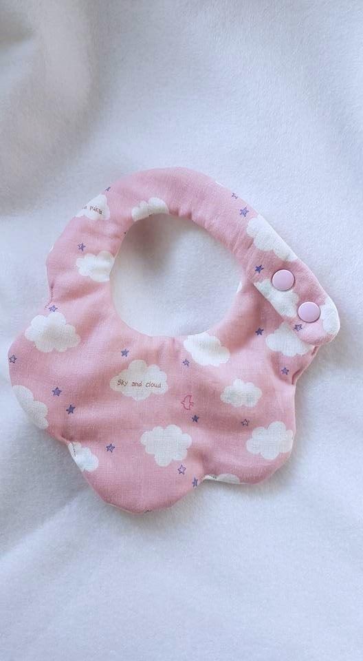 雲朵-粉紅-八層紗造型圍兜口水巾
