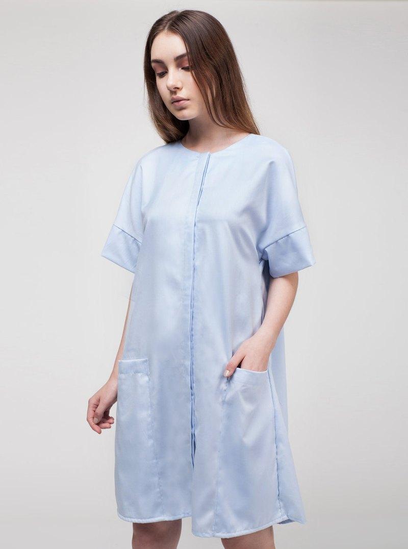 藍色背褶連衣裙