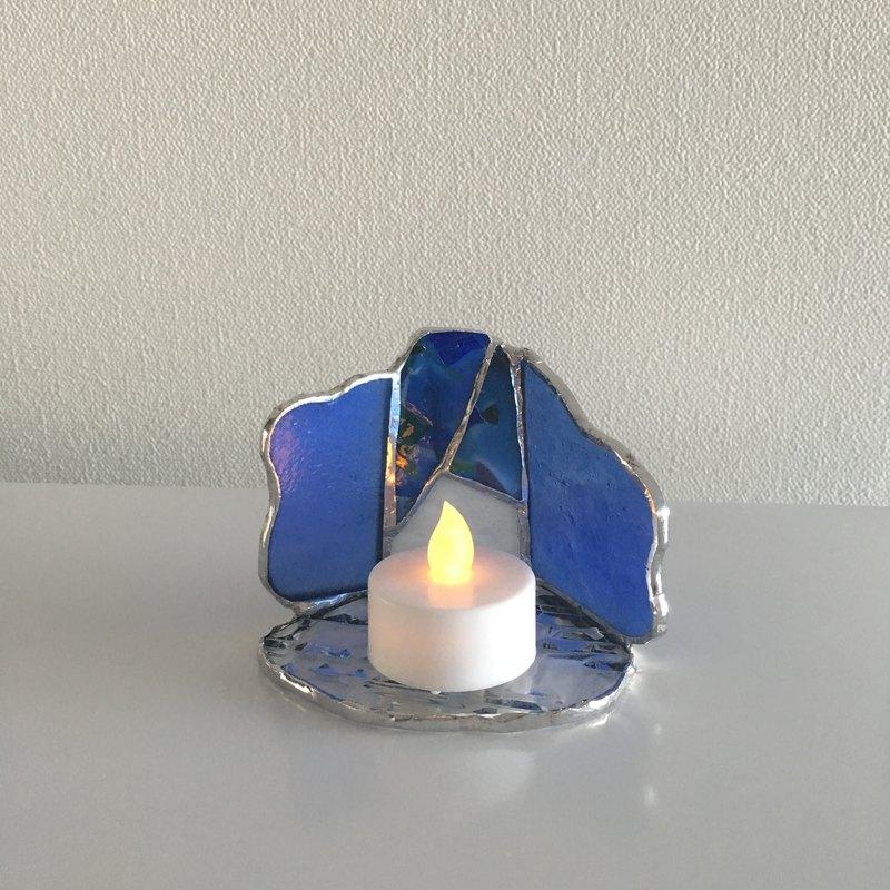 LED燈持有人蠟燭夜藍色玻璃灣視圖