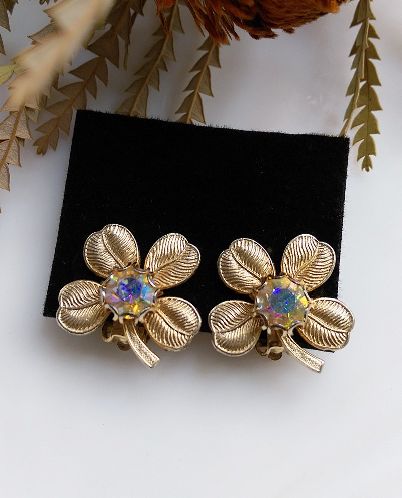 西洋古董飾品。四葉花 夾式耳環
