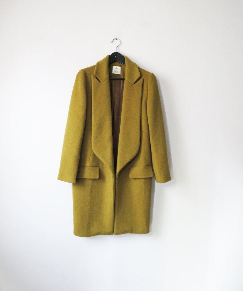 芥橄欖綠高領敞開式手工羊毛大衣