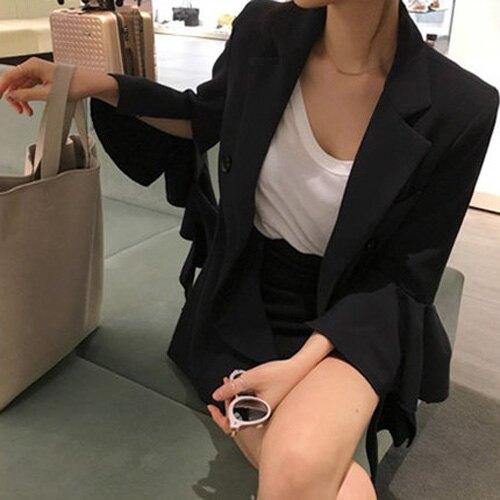 喇叭袖西裝外套 韓系 雙排釦喇叭西裝小外套 艾爾莎 【TAE7951】。流行女裝與女鞋人氣店家艾爾莎時尚精品的首頁有最棒的商品。快到日本NO.1的Rakuten樂天市場的安全環境中盡情網路購物,使用樂
