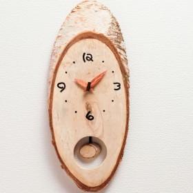 木の手作り掛け時計