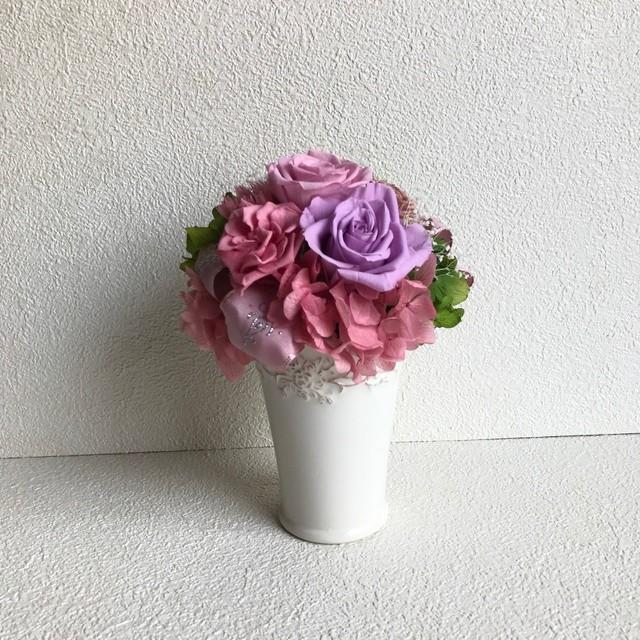 ピンク系ラウンドアレンジ♪紫パープルプリザーブドフラワー母の日花ブリザードフラワー結婚式誕生日プリザ薔薇プレゼント誕生日バラギフト花器サプライズ結婚祝い退職祝い卒業祝いリボン