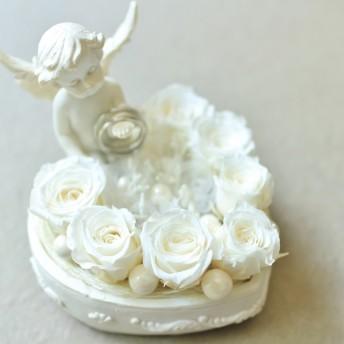 天使が見守る純白のリングピロー