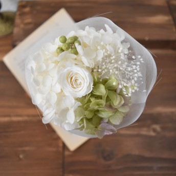 petit tulle bouquet with white rose gr