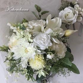 ナチュラルな白いブーケ+ブートニア/ブライダルブーケ ウエディングブーケ 高級造花 結婚式 プリザーブドフラワー ホワイト 鈴蘭 マグノリア グリーン 清楚 アーティフィシャルフラワー ロングリボン