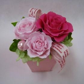 雑貨プリザ  petit fleurs  いちごミルク