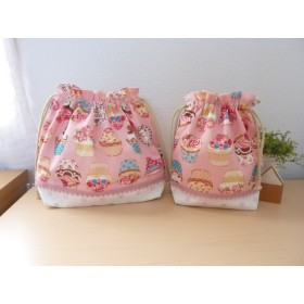 カップケーキ柄ピンクのお弁当袋とコップ袋セット