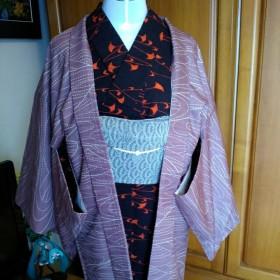 お譲りしたい正絹袷羽織《ピンクの羽織紐付き》特別価格です。