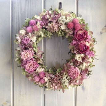 芍薬とバラのピンクリース