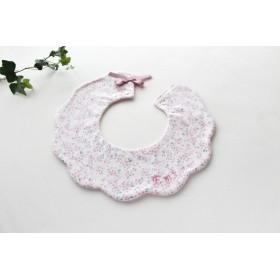 オプションで刺繍お名前入れられます 花リース型360°スタイ花柄フラミンゴ色ピンクリボン