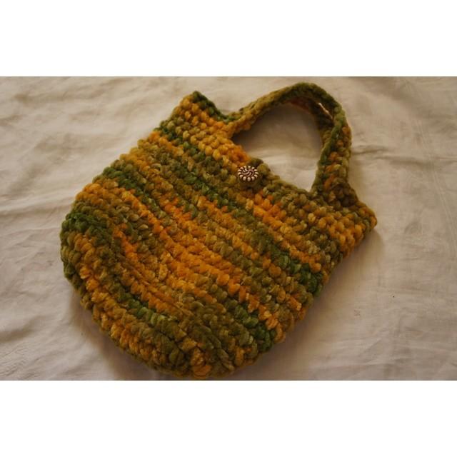 手編みのもこもこバッグ ※同梱不可