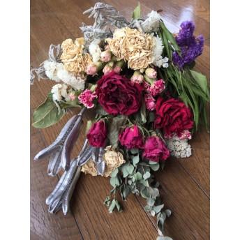 お花屋さんが作ったナチュラルドライスワッグ N0 薔薇だらけ