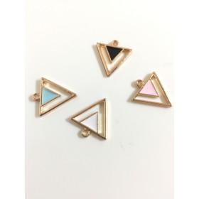 送料無料!(4個入り)カラフル三角チャーム