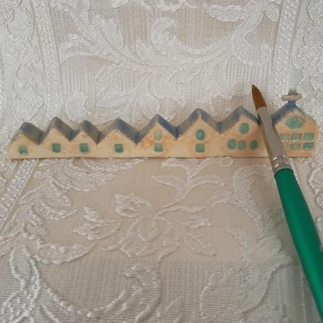 2陶器かわいい筆置き青い屋根の教会