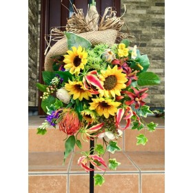 No. wreath-15065/ヒマワリのトロピカル・スワッグ(縦型スワッグ・大型スワッグ)/リース玄関・造花リース/58x38cm