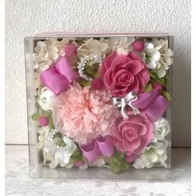 母の日*ピンクカーネーションのボックスアレンジ ♪プリザーブドフラワー母の日花ブリザードフラワー結婚式誕生日プリザ薔薇プレゼント誕生日バラギフト花器サプライズ結婚祝い退職祝い卒業祝いリボ
