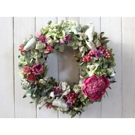 芍薬とピンクのバラのリース