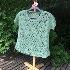 若草色のサマーセーター