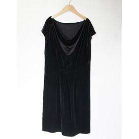 ブラックベロアのドレープドレス
