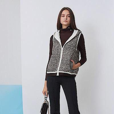 ICHE 衣哲 時尚羊毛拼接撞色印花造型背心外套-焦糖咖