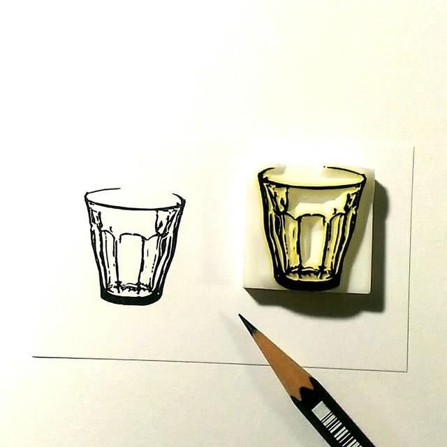 消しゴムはんこ『ガラスのコップ』