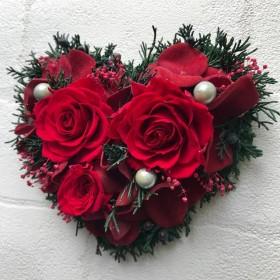プリザーブドフラワー壁掛け*薔薇、ヒムロスギ*アーティフィシャルフラワー*ハート