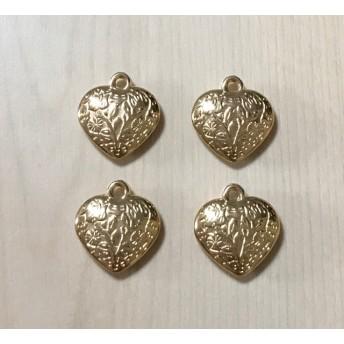 GOLD HEART DESIGN CREAM BEADS