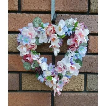 お花が溢れる オープンハートのアンティークリース