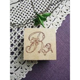 【SALE】イニシャルスタンプ「R」3cm角アンティーク復刻刺繍図案