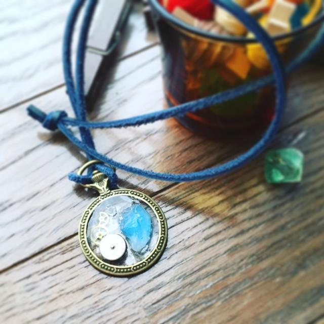鉱石と時計パーツのネックレス