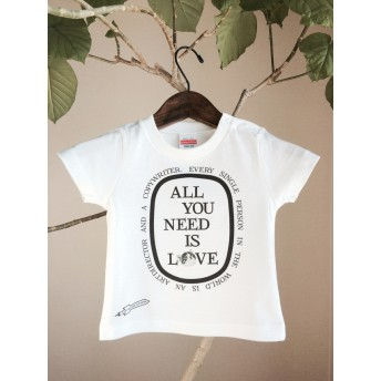 ALL NEED IS LOVE 猫 キッズ Tシャツ