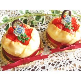 苺のクレープケーキ【メモスタンド】