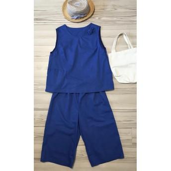 青いベストスーツ