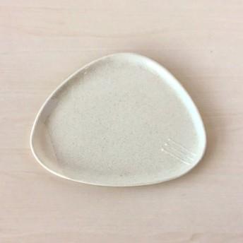 いっちん模様のケーキ皿(三角)