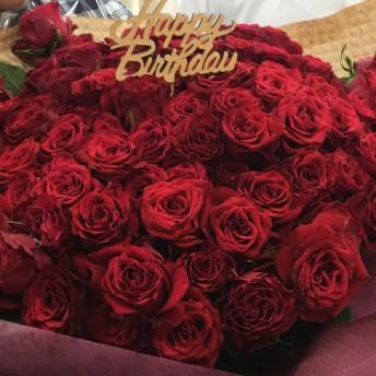 100本のバラ花束