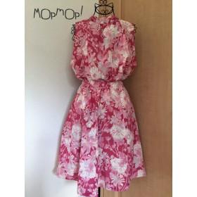 旬な花柄で可愛く!ピンクのワンピース(ノースリーブ&フレアスカート)