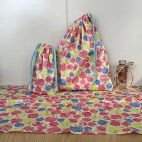 【給食3点セット】白パステルりんご柄 ★ w30×35cm給食着袋ランチョンマットコップ袋