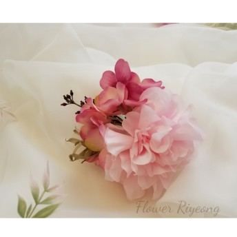 ダリアの髪飾り(ピンク系)