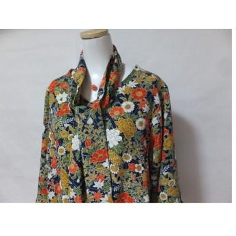 ロングワンピース かわいい花柄の絹着物からのリメイク服です