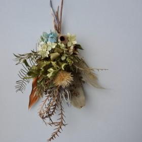 グレビレアと紫陽花のスワッグ