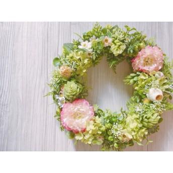 pink Ranunculus ラナンキュラスとスノーボールのリース