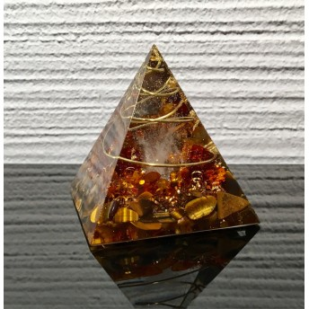 ★健康と金運のお守りに最適★ピラミッド型オルゴナイト アンバー x タイガーアイ