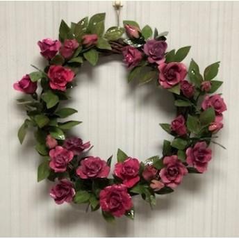 真っ赤なバラの花のリース(ロウの花)